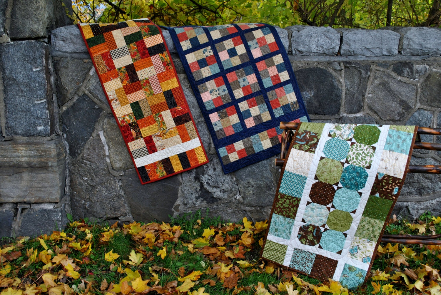 free charm pack table runner patterns