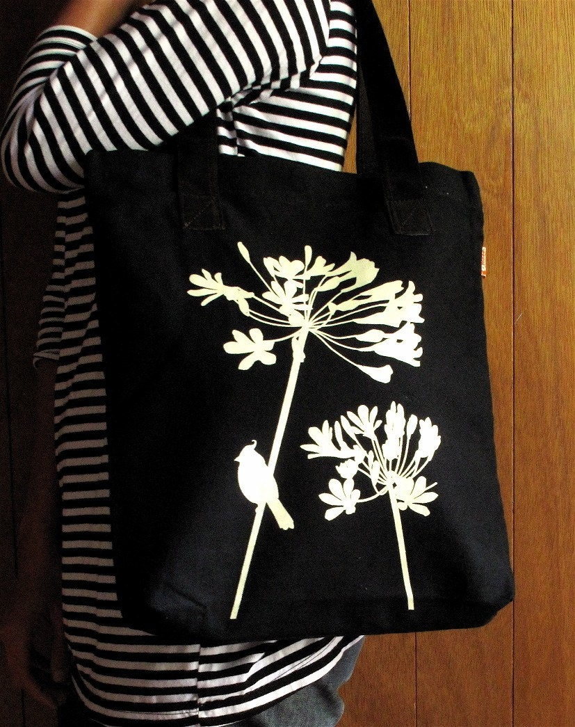 SALE Black Cardinal on Agapanthus Shoulder Tote Bag