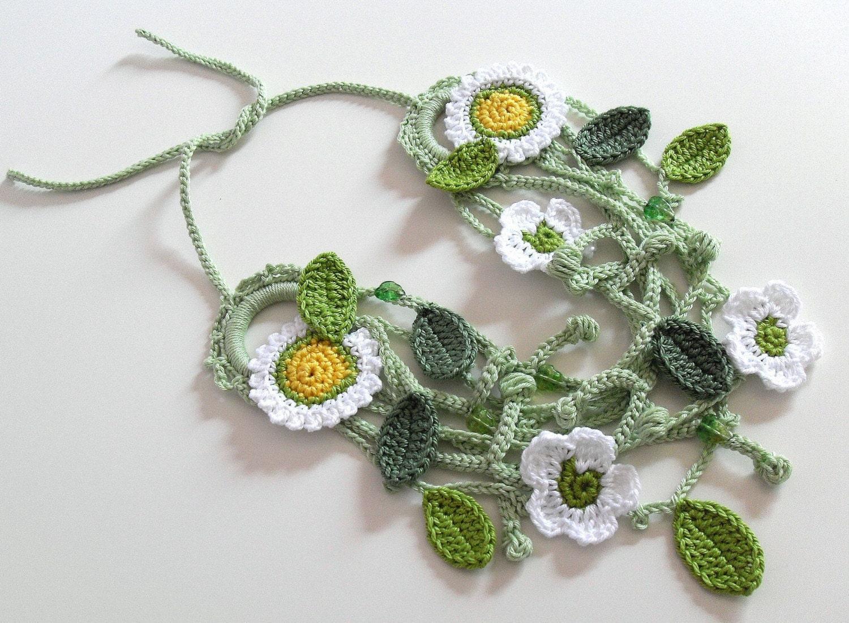 PRIMAVERA - Handknit Crochet Necklace