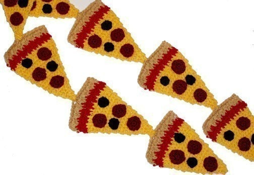 Crochet pattern for pepperoni pizza scarf