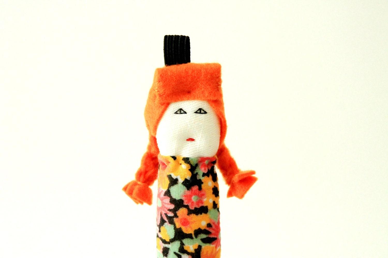 Custom ooak fabric keychain miniature doll Beltrana by Fulana, Beltrana e Sicrana
