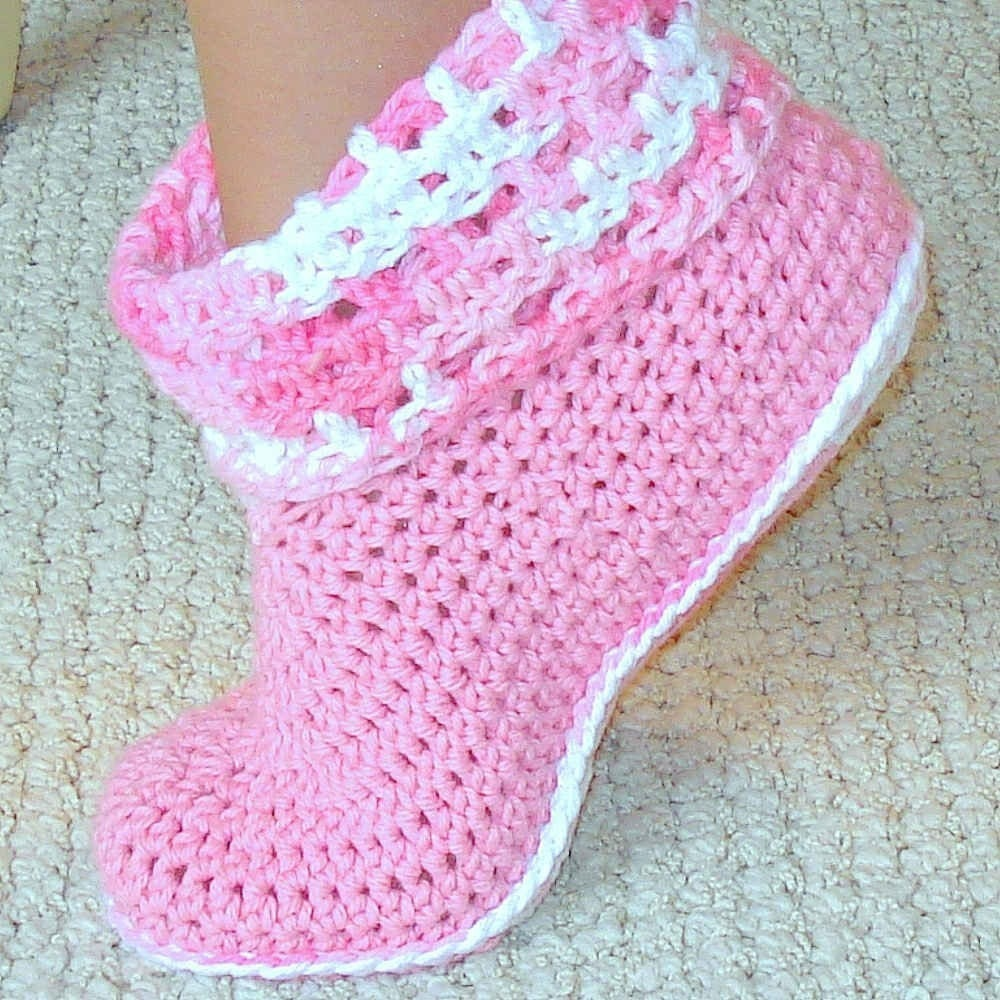 One piece kids slippers. Free crochet pattern