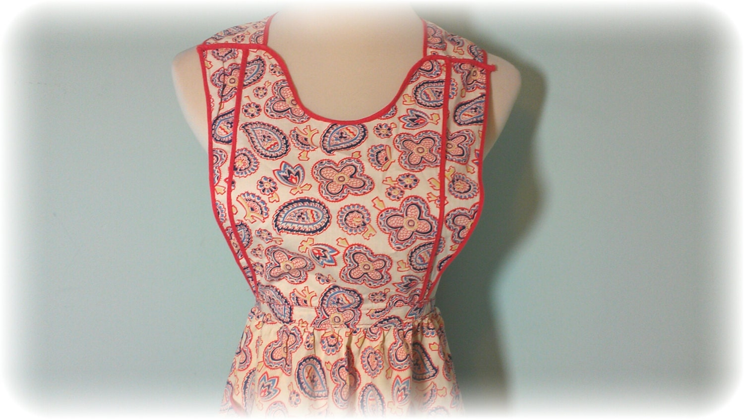 Cute Vintage 1960's Bibbed or Full Apron W/ Floral and Paisley Design - tidbitsandtreasure