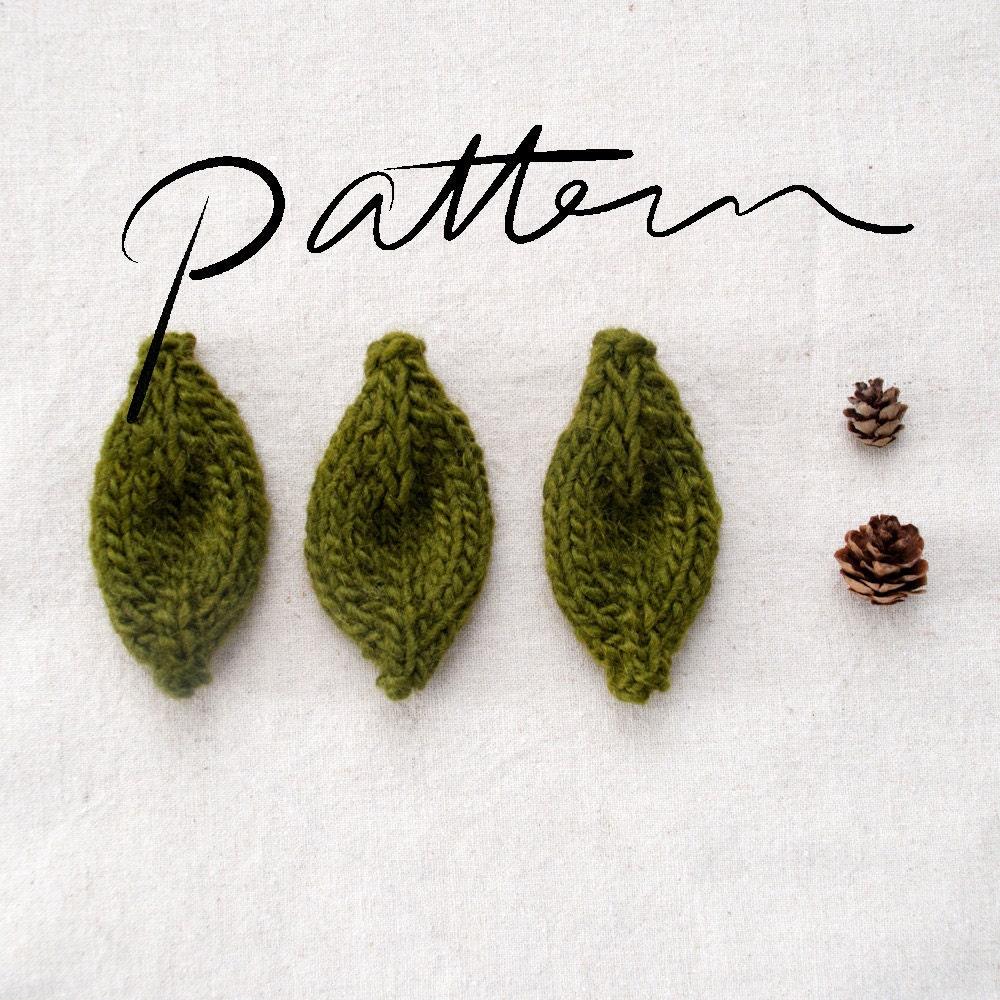 Leaf Pattern Knitting Pattern : Knitted Leaf Pattern by KnitKnit on Etsy