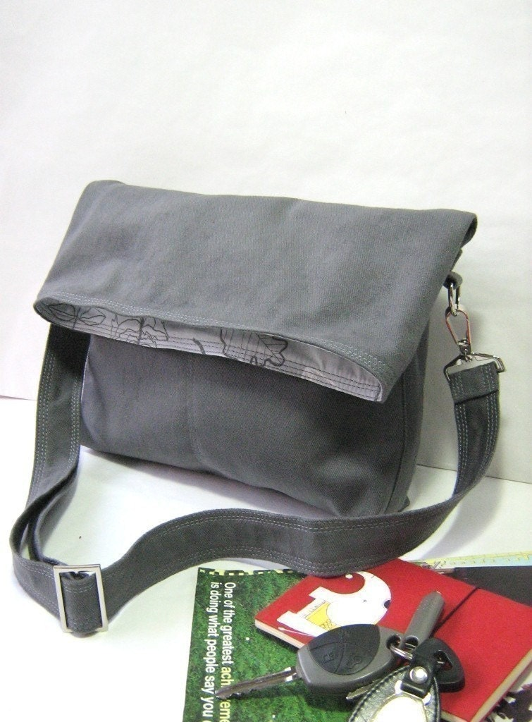 Beverly in grey - flap top messenger