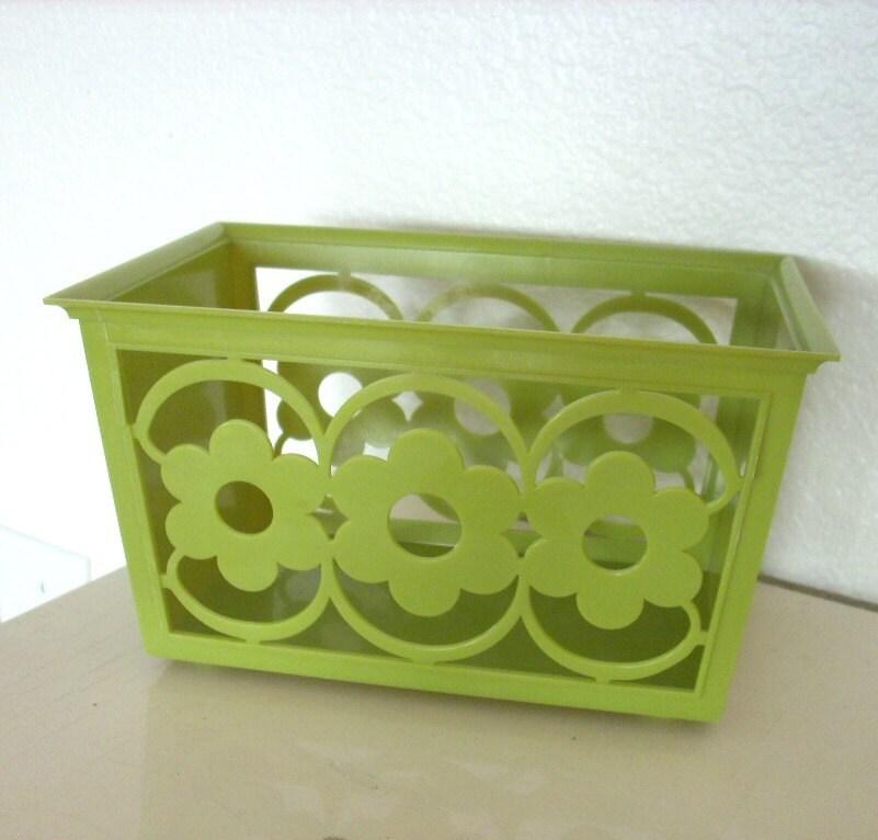 Vintage MOD Flower Power Plastic Basket
