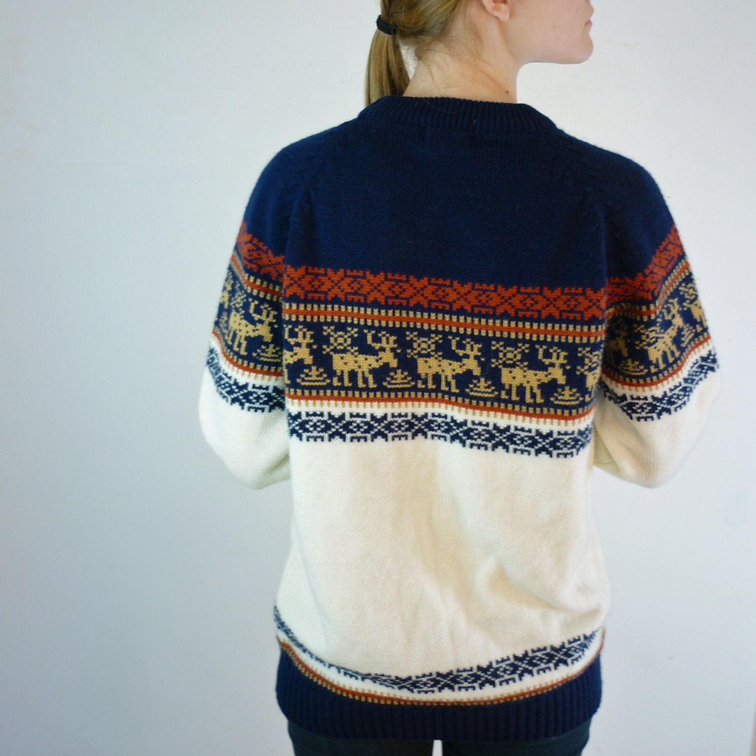 Vintage Reindeer Sweater / Unisex Deer Sweater
