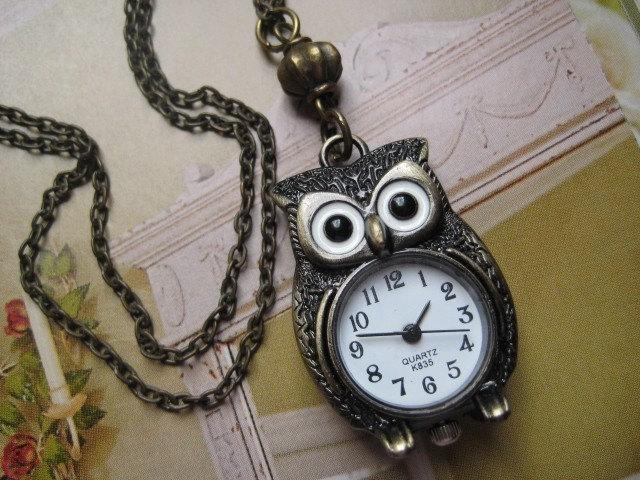 WIDE AWAKE OWL. A Timepiece Necklace.