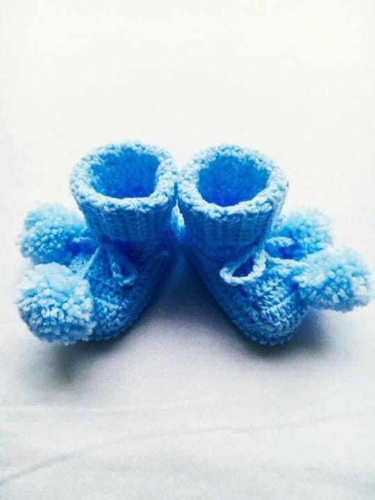 Baby Crochet Booties, Crochet Baby Shoes, Crochet Baby Pom Pom Shoes, Baby Shower Gift, Baby First Shoes, Photo Prop, Baby Shower Gift
