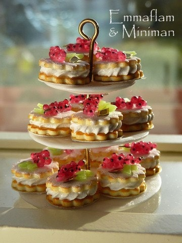 French Sablés Chantilly Groseilles - Red Currant and Cream Shortbreads - 12th Scale Miniature Food