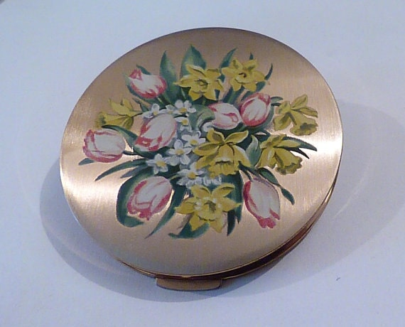 Fashion gifts for her vintage Stratton compact mirrors vintage bridesmaids gifts