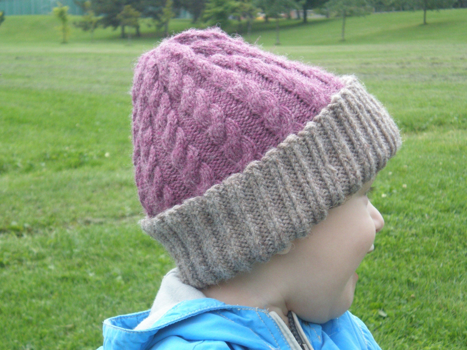 Girl's Cable knit hat