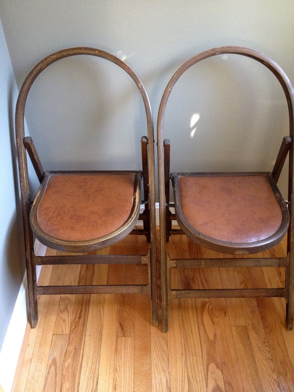 Set of 2 Vintage Wooden Folding Chairs - Mr & Mrs - Vintage Wedding