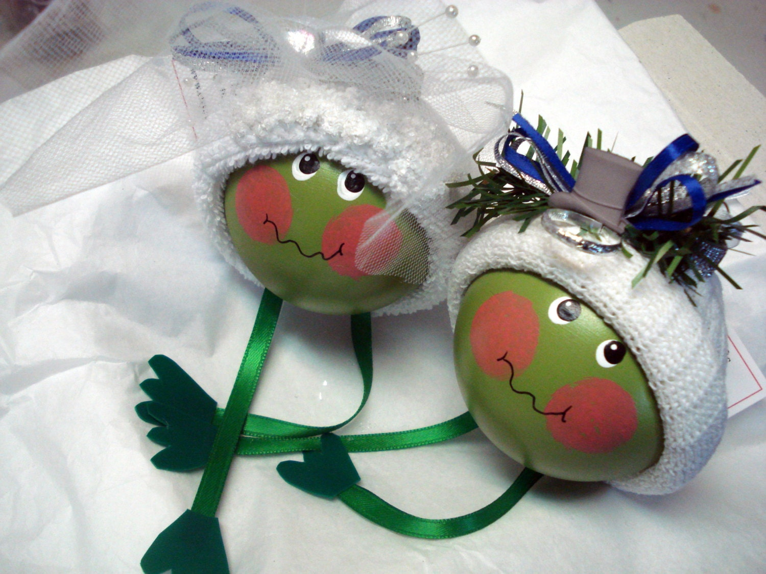Wedding ornament frog set hand painted by townsendcustomgifts for Engagement christmas tree ornaments