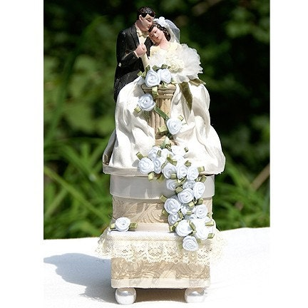 Vintage Flower Bride and Groom Cake Topper Keepsake Box