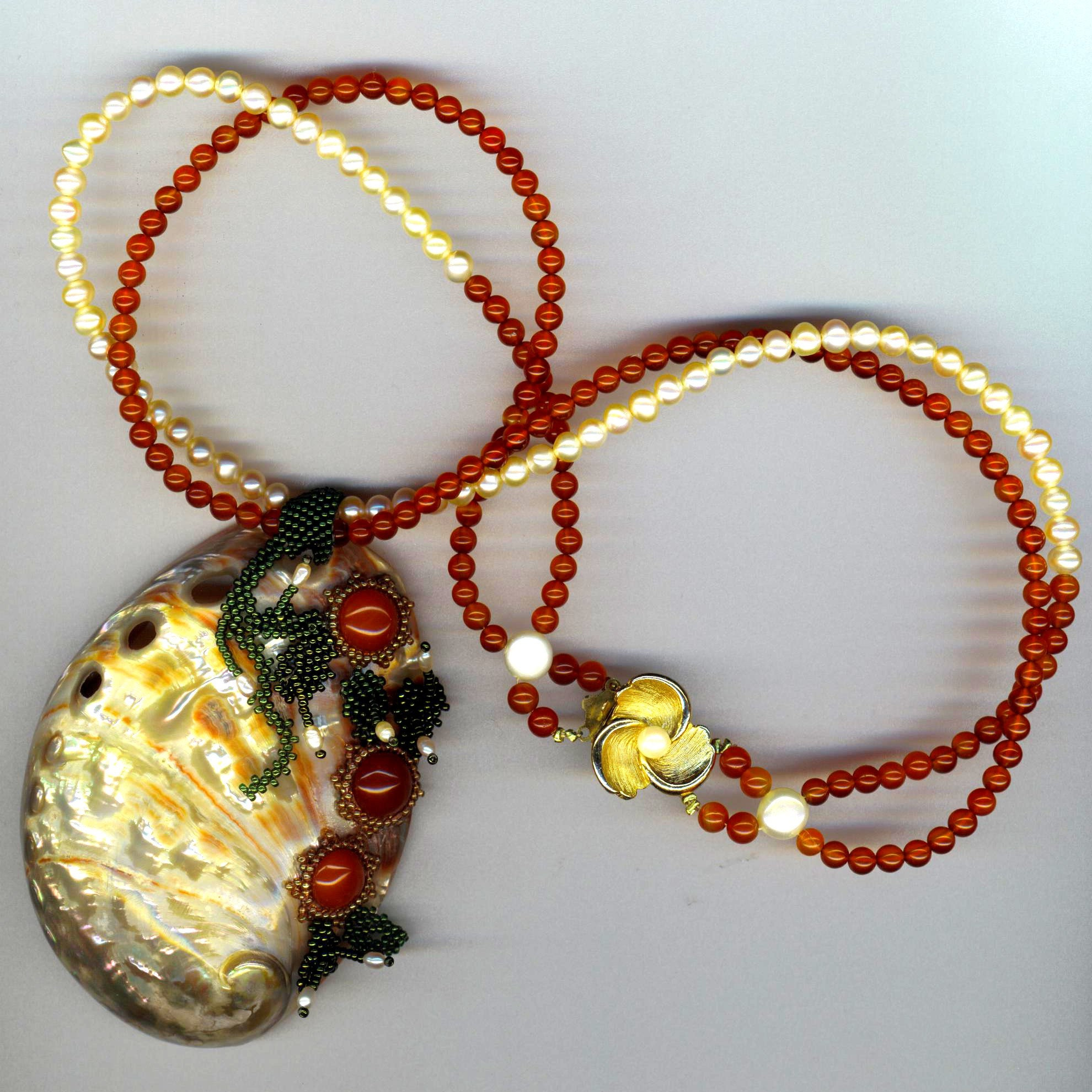 Indian Summer Dream - Pearls and Carnelian Necklace with Shell Pendant