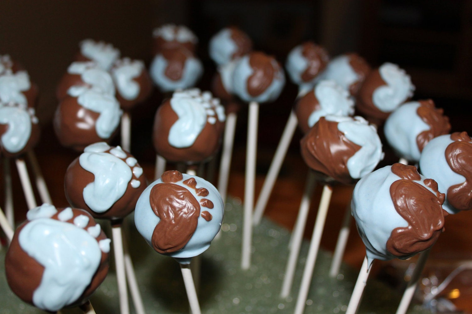 Baby Shower Cake Pops with Baby Feet