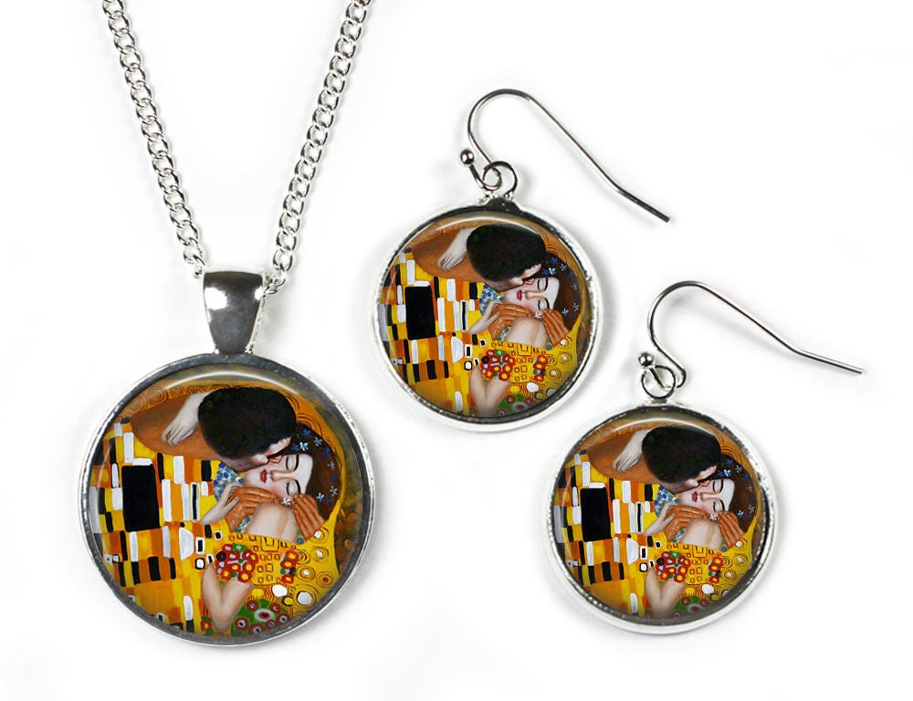 THE KISS Gustav Klimt  Set Pendant Chain  Earrings  Glass Picture Jewellery  Silver Plated