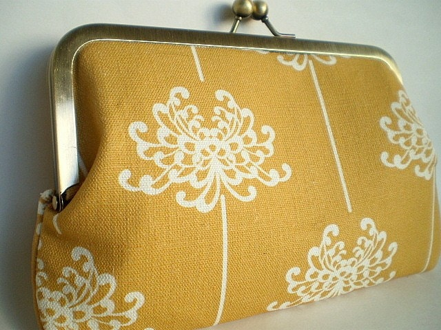 Dandelion Organic Cotton 8 inch kiss lock Clutch