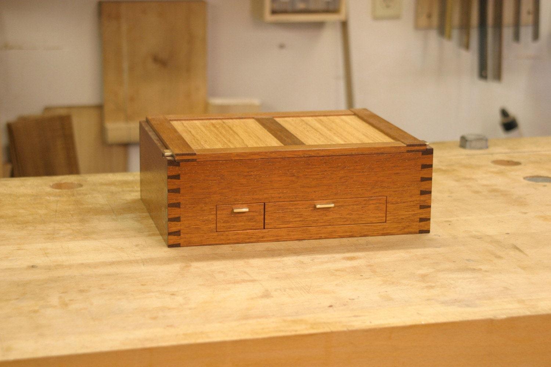Correspondence Box