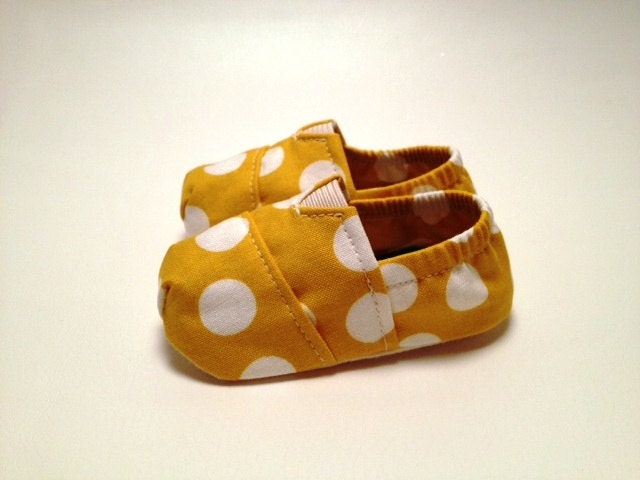 Fitted baby shoes in a Mustard Yellow Polka Dot by Scarlettos for Etsy - Scarlettos