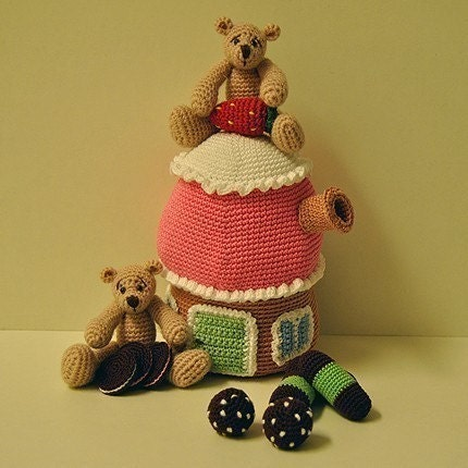 PDF Crochet Pattern - Bears, Cookies and Cupcake House