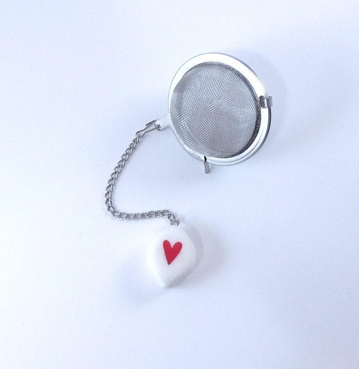 Loose Tea Infuser Tea Strainer Red Heart in White - 9thfloor