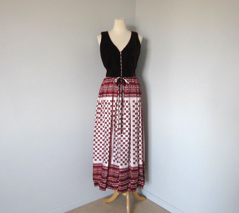 60s Maxi Dress / SCARF PRINT / Burgundy VELVET / vintage