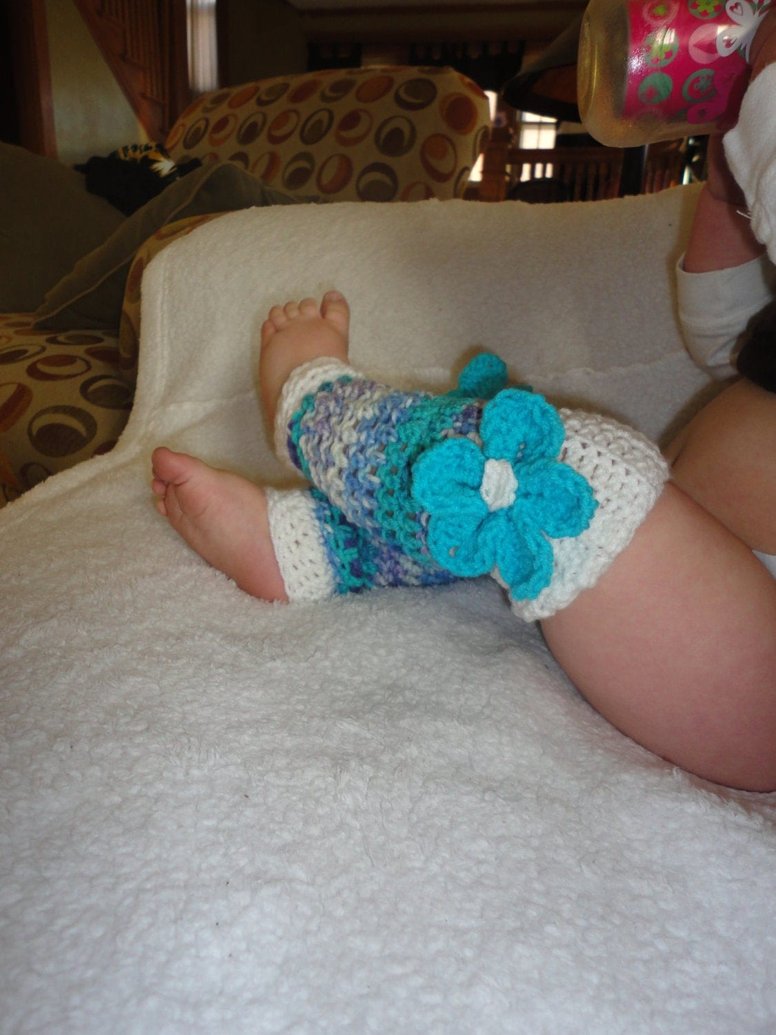 Baby Girl Crochet White and Turquoise Leg Warmers with Spiral Flower Size 0-24 Months - sewcroco