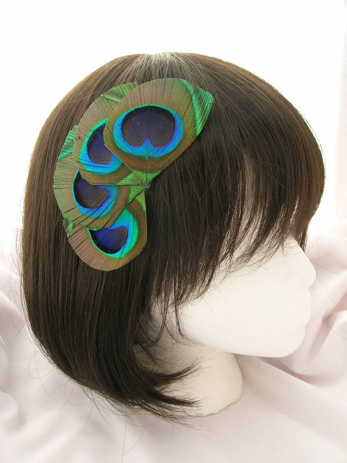 Hera Design peacock eyes feather fascinator - fan style headdress - headband, hair clip, elastic band, or comb your choice