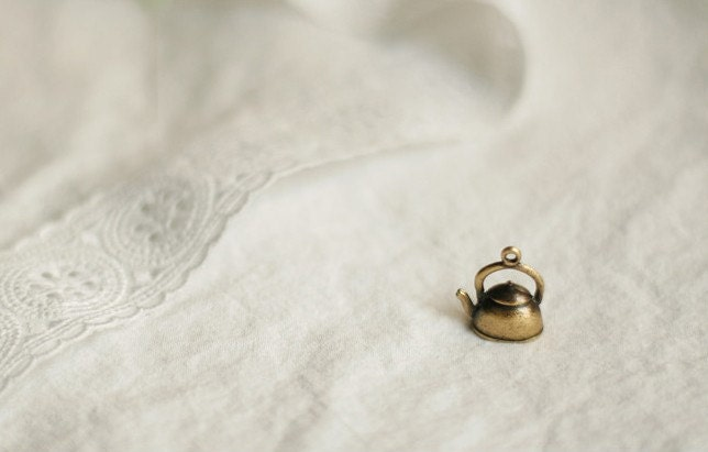 2 kettle pendant charms