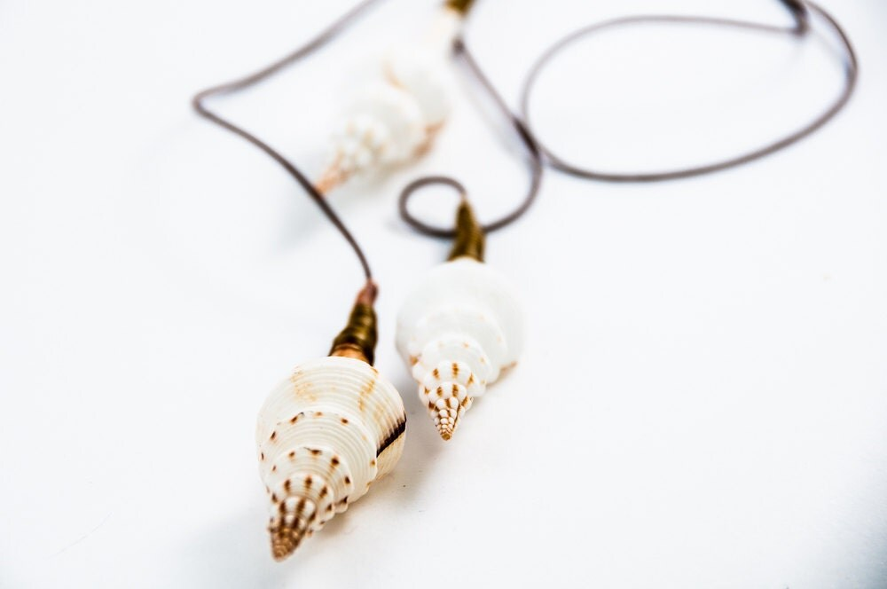 Seashell Summer Necklace Long Shell Beach Jewelry Summer Fashion - DevikaBox