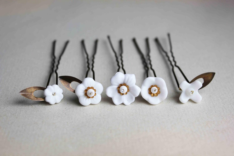 Fleurs blanches  5 épingles à cheveux pour chignon - inspiration vintage  et bucolique - mariée mariage