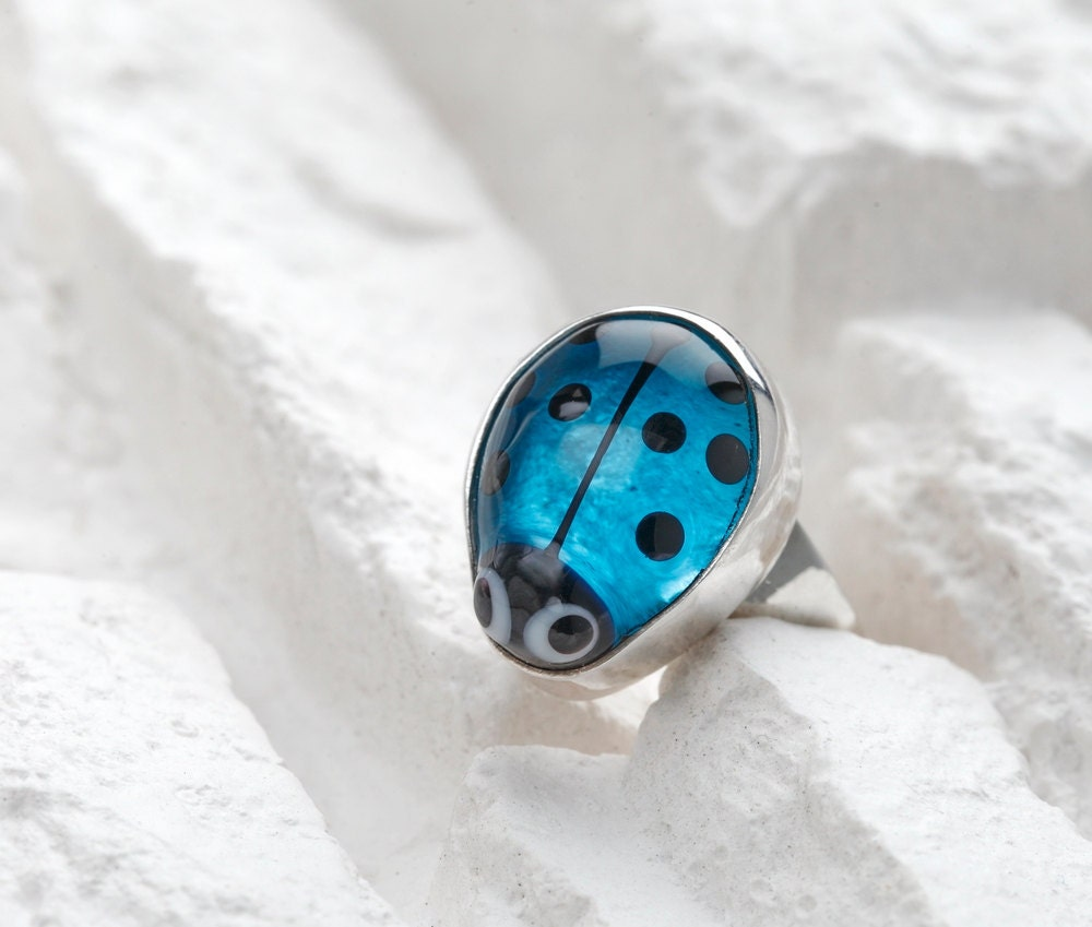 Ladybug Ring - Sapphire Blue Lampwork Glass on Sterling Silver - evihan
