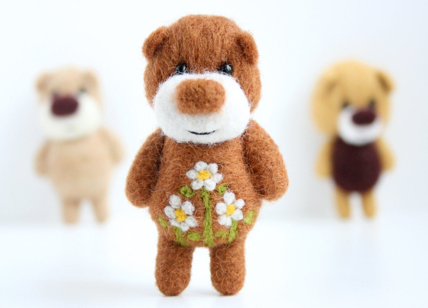 Felted light brown miniature pocket bear woth flowers - unpetitours
