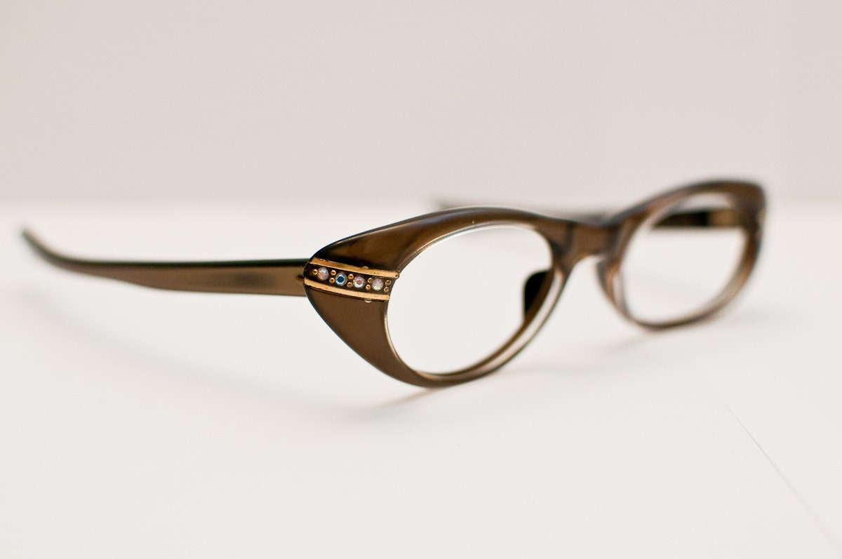 Vintage 1960s Raybert Cateye Glasses: Sophisticated Sparkle