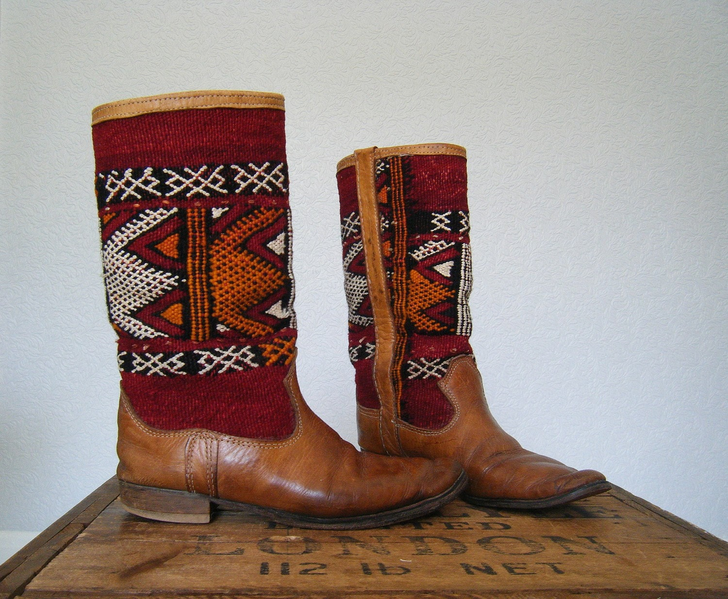 vintage. LEATHER NAVAJO carpet boots