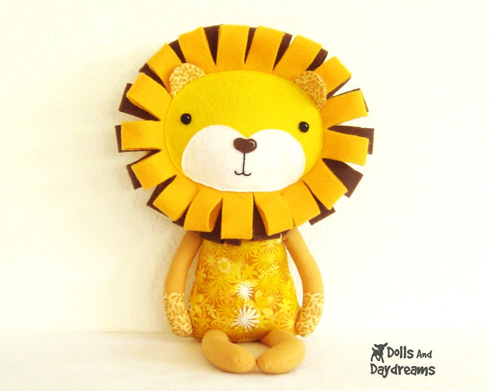 Lion Sewing Pattern PDF Softie DIY Toy Tutorial King Jungle - DollsAndDaydreams