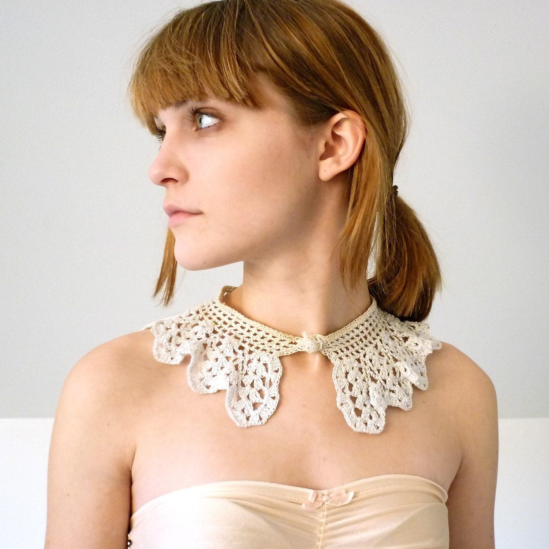 Vintage Shimmer Lace Collar