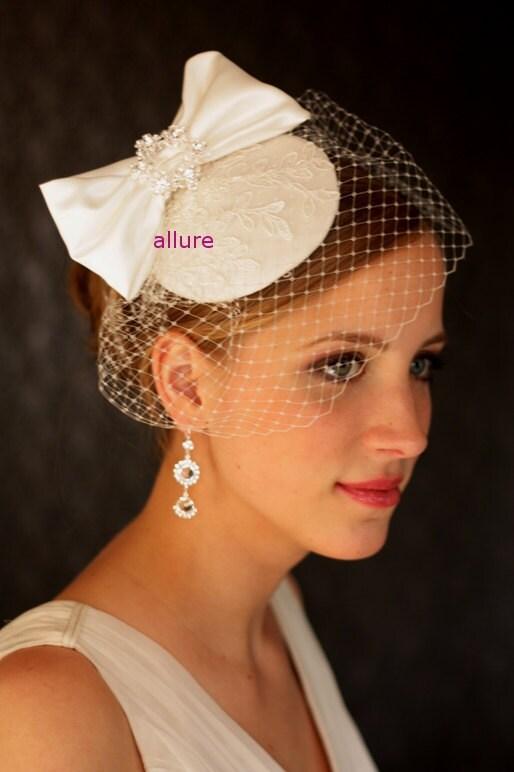 Silk bow headdress 1950s BIRDCAGE VEIL. Wedding hat, bridal hat, headpiece with lace - white, ivory