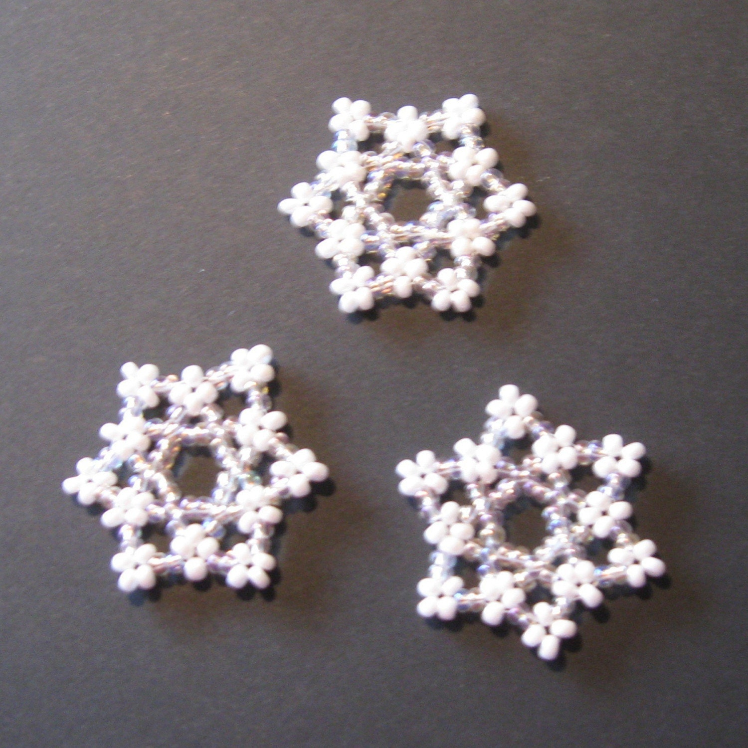 beaded snowflakes by BeadingByBawissa