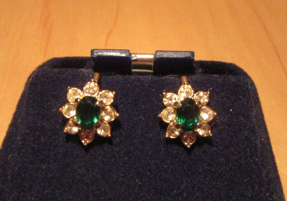 Gorgeous Sparkling Emerald Green Glass  Paste Set Rhinestone Cluster Clip On Earrings Measuring 12 Inch in Length