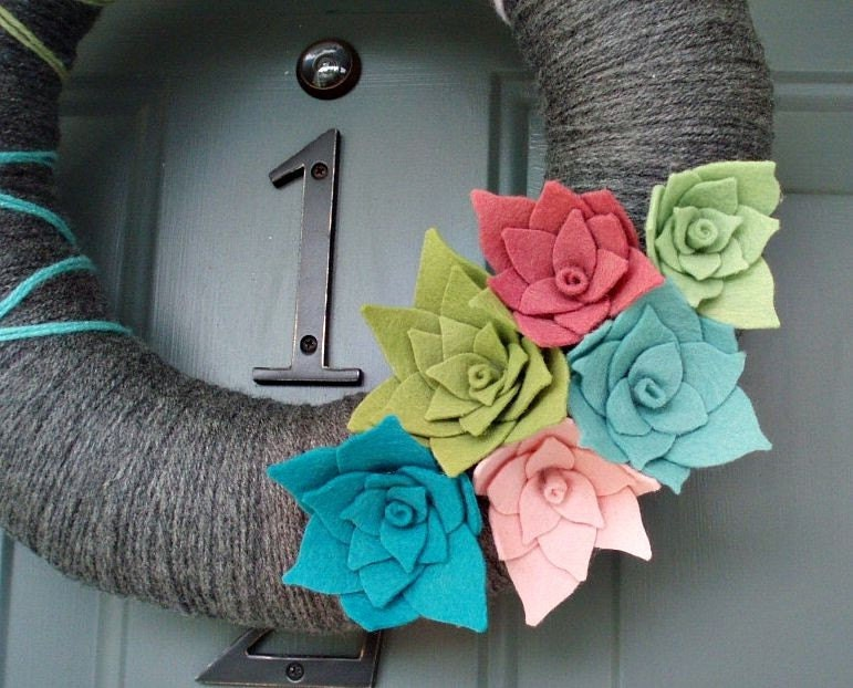 Yarn Wreath Felt Handmade Door Decoration - Breezy 12in