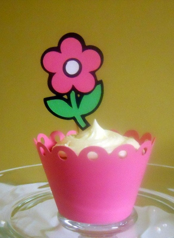flower cupcake topper with matching wrapper
