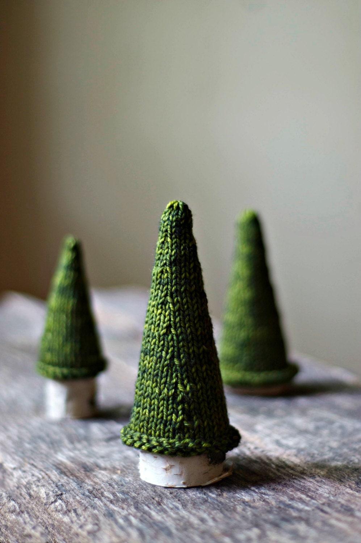 Knitting Pattern - Jack Pine Tree - Knit Christmas Tree -  Holiday Decor - thesittingtree