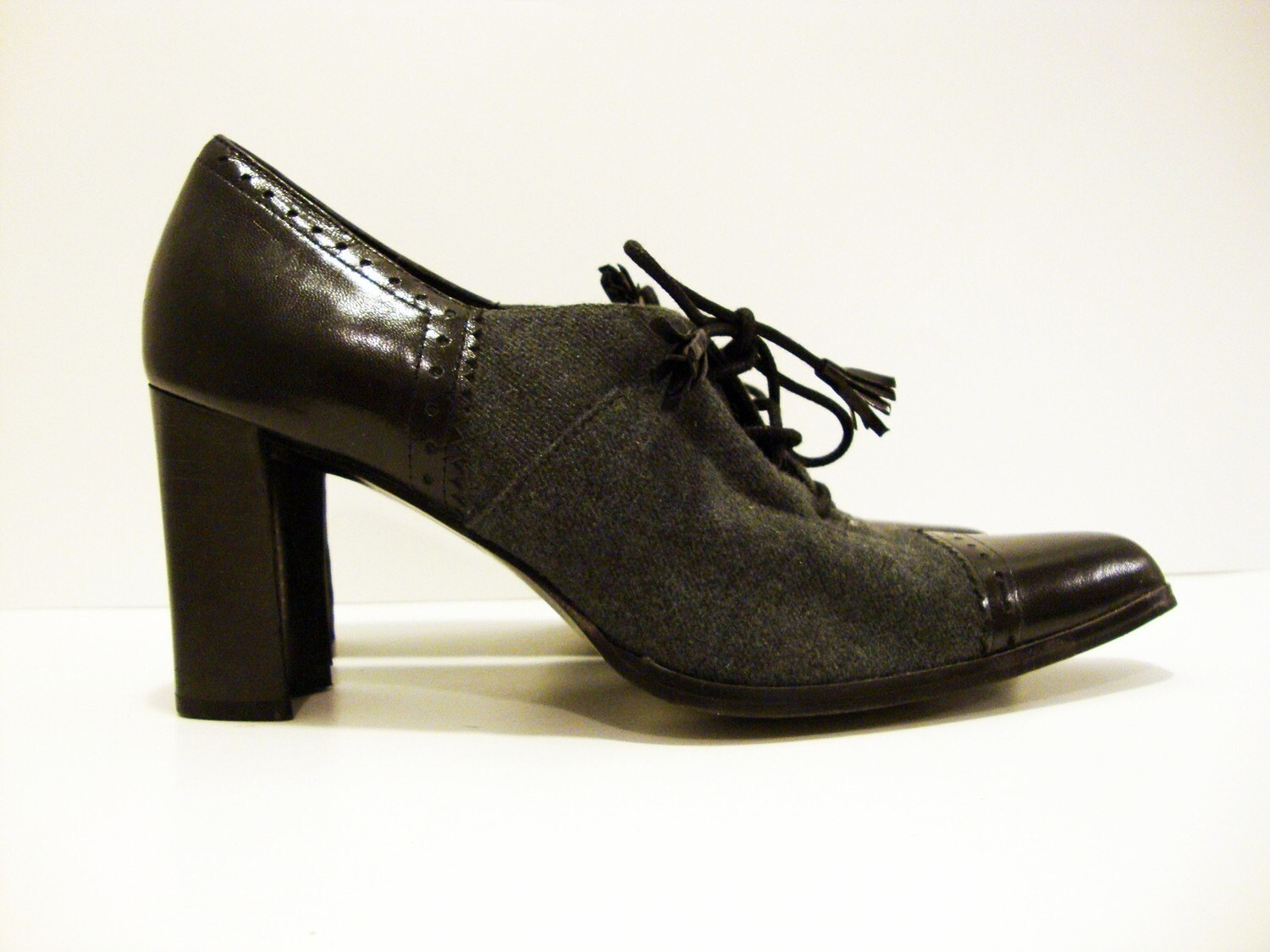 Size 7 Black Gray Leather Fabric Heel Laces Oxfords Shoes