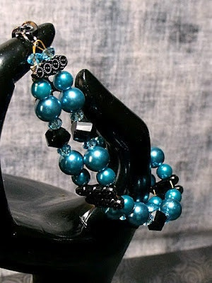 Turquoise Glass Pearls with Black Faceted Crystal Accents Bracelet