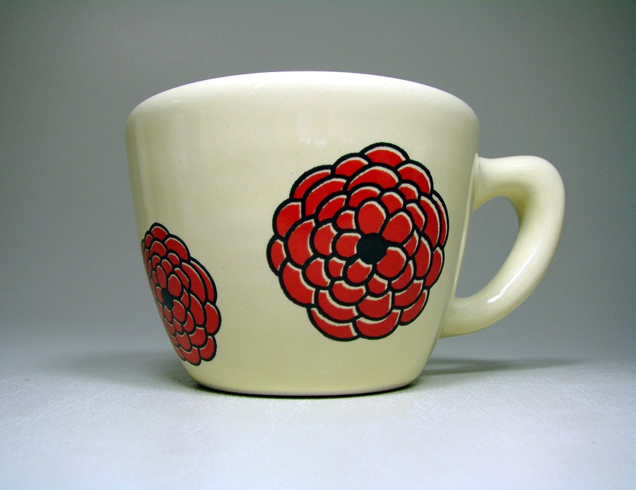 12oz cup red dahlias (buttercream). Made to Order / Pick Your Colour - CircaCeramics