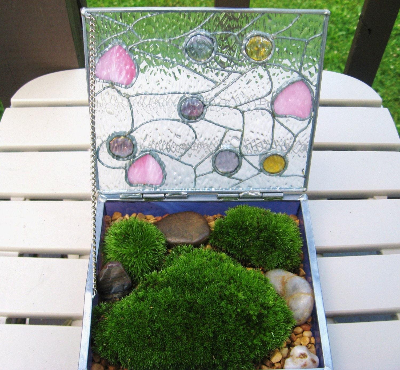 Moss Zen Terrarium Garden in Beautiful Stained Glass Box