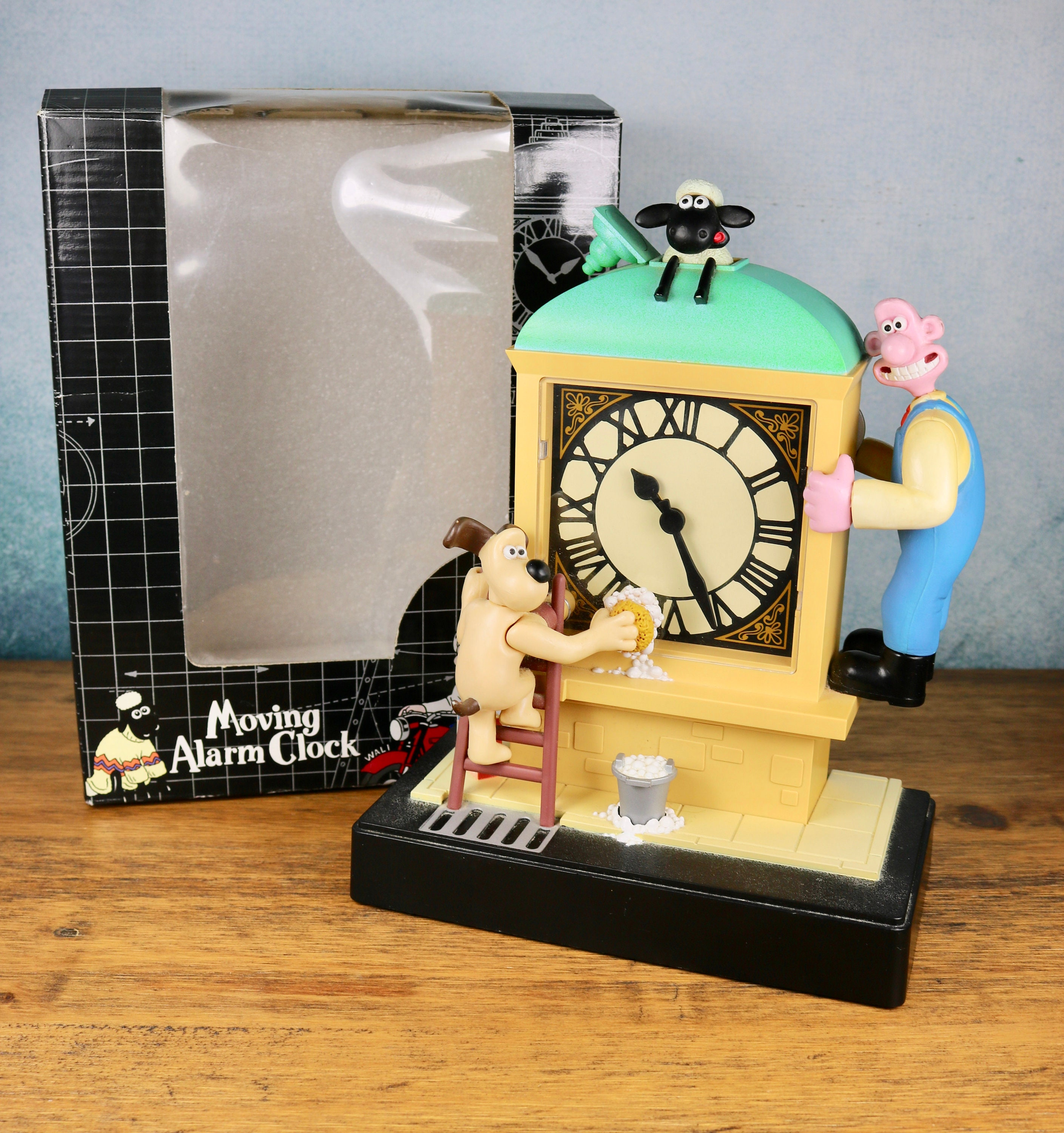 Vintage Wallace and Gromit A close Shave Talking Alarm clock in box unused 1989 Wesco